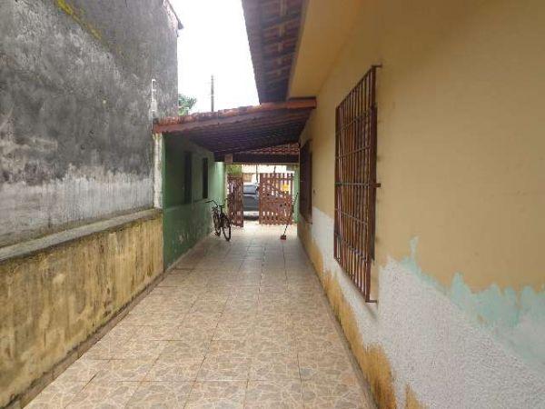 http://www.castroimoveislitoral.com.br/fotos_imoveis/137/0415c7ffe9cdee34a8fcf9cbed36ac84.jpg