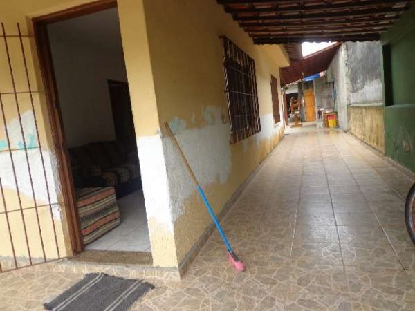 http://www.castroimoveislitoral.com.br/fotos_imoveis/137/c65a90ffdbda07199651654f35610c23.jpg